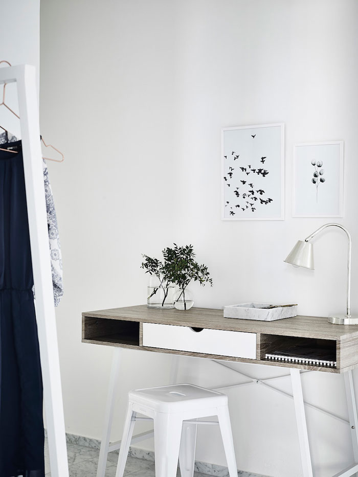 Simple-and-Minimalist-All-White-Apartment-07