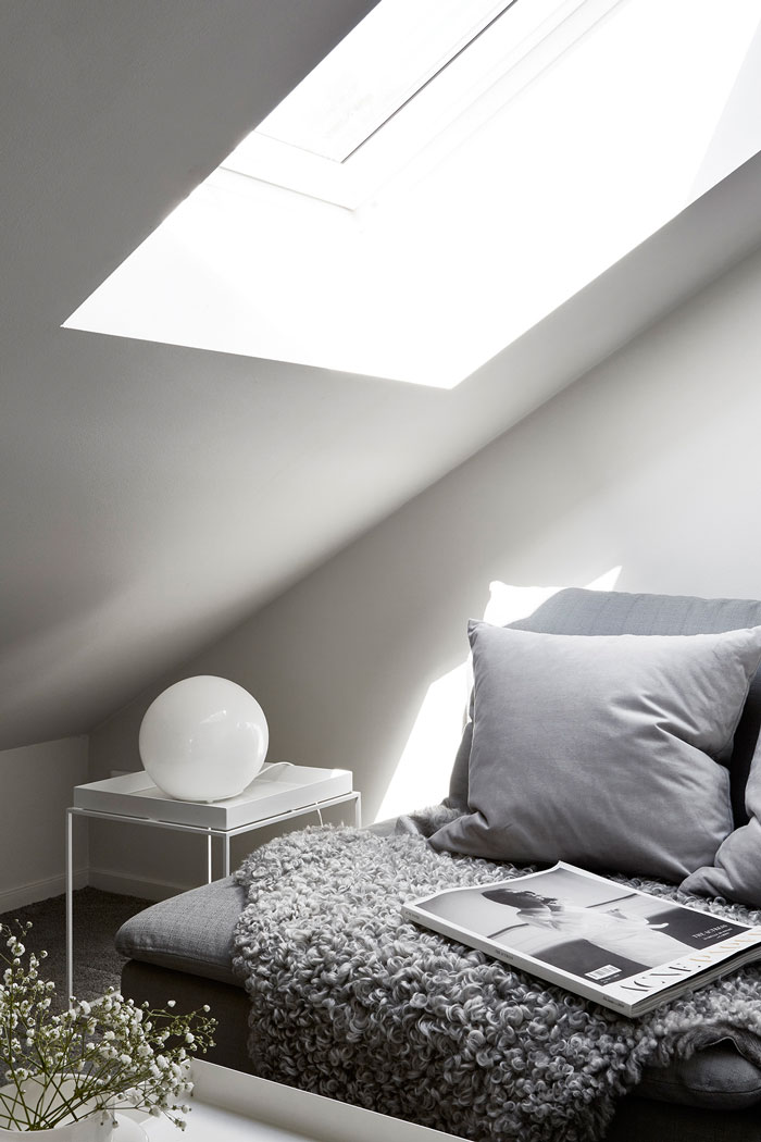 Small-Home-Inspiration-in-Monochrome-11
