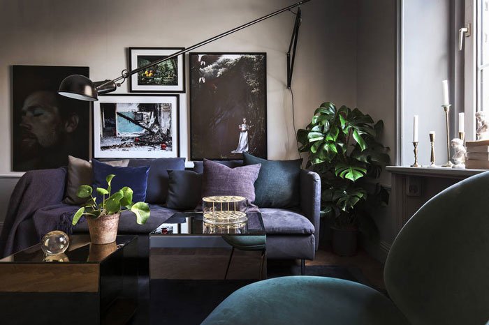 Stylish-Dark-and-Moody-Stockholm-Apartment-06