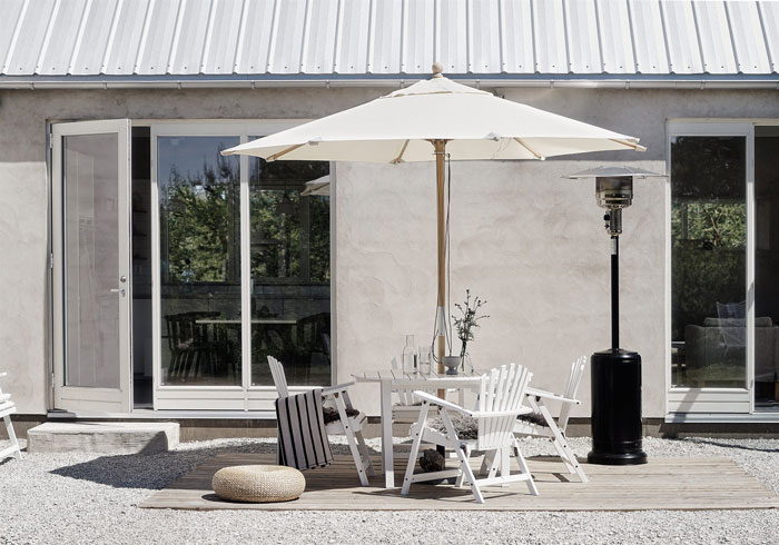 Tasteful-Gotland-Summer-Retreat-NordicDesign-02
