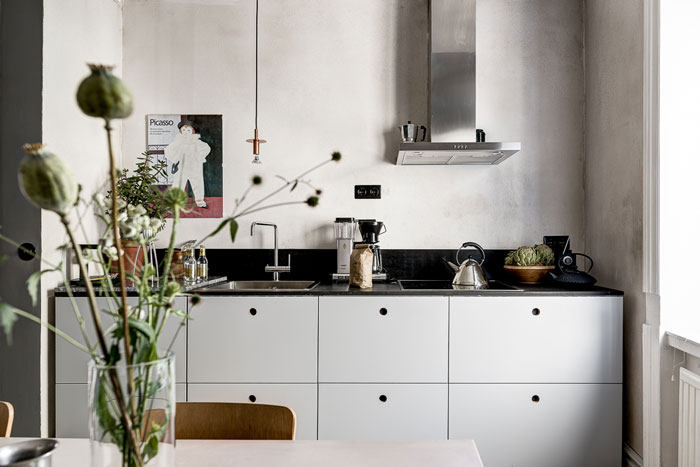 Charming-artsy-and-retro-apartment-07