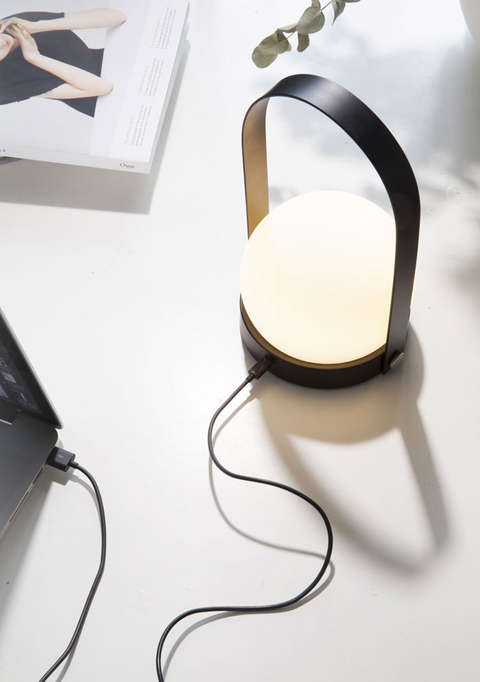 MenuAW16_Carrie-LED-Lamp
