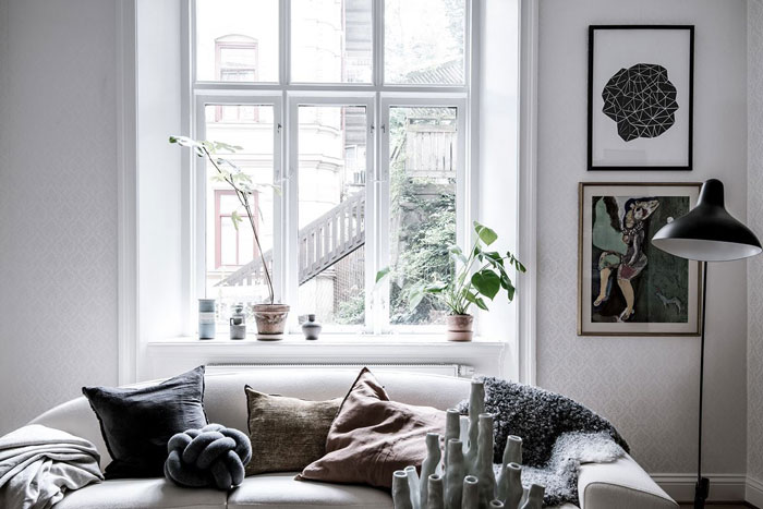 A-Beautiful-Eclectic-Home-Filled-with-Art-04