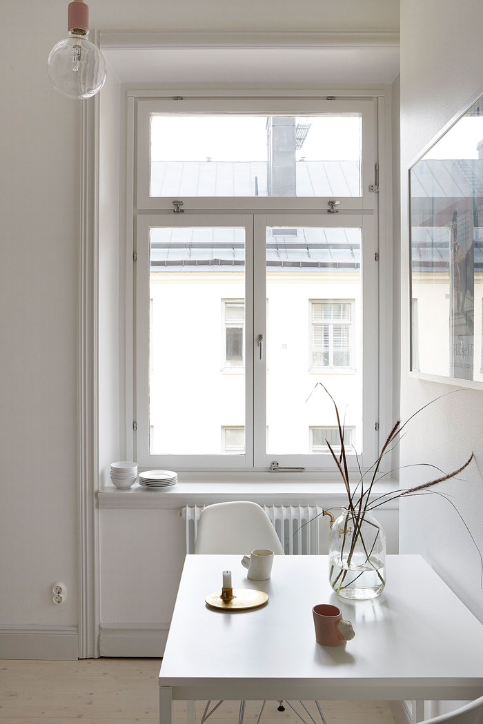Beautifully-Simple-and-Pared-Down-Interior-05