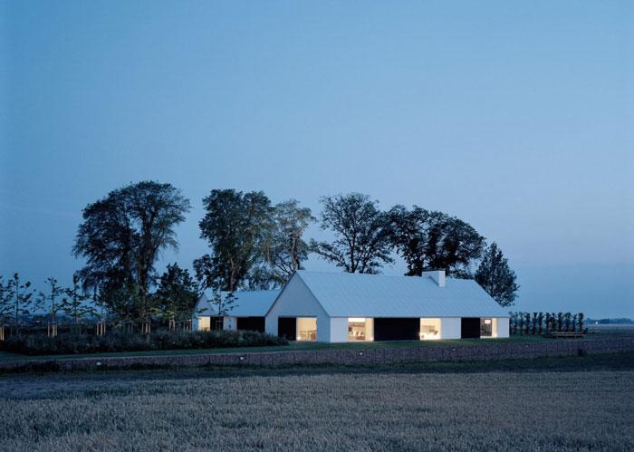 Fantastic-Minimalist-Architectural-Home-01