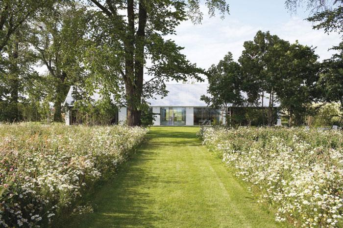 Fantastic-Minimalist-Architectural-Home-08