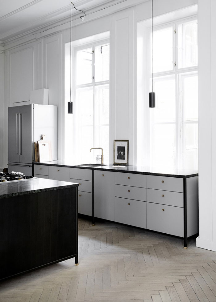 Industrial-Chic-Kitchen-with-Stunning-Details-03