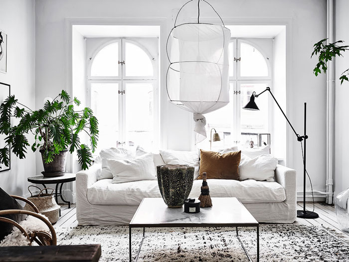 Serene-and-Bright-Gothenburg-Apartment-with-an-Ethnic-Touch-01