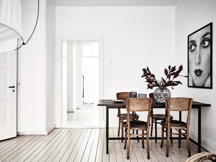 Serene-and-Bright-Gothenburg-Apartment-with-an-Ethnic-Touch-04