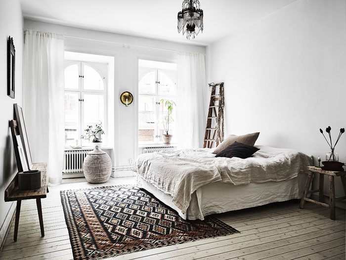 Serene-and-Bright-Gothenburg-Apartment-with-an-Ethnic-Touch-07