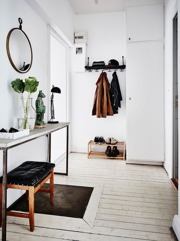 Serene-and-Bright-Gothenburg-Apartment-with-an-Ethnic-Touch-11