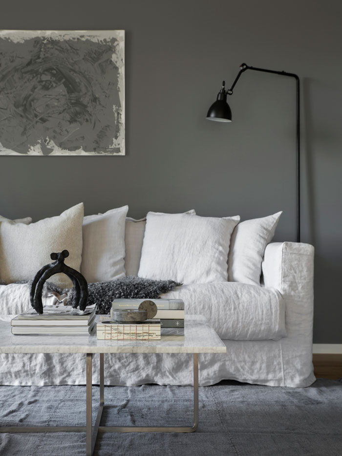 A-Home-in-Beautiful-Shades-of-Grey-01