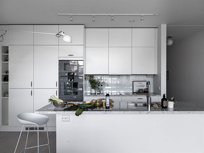 All-White-Bright-and-Airy-Cocoon-in-Sweden-05