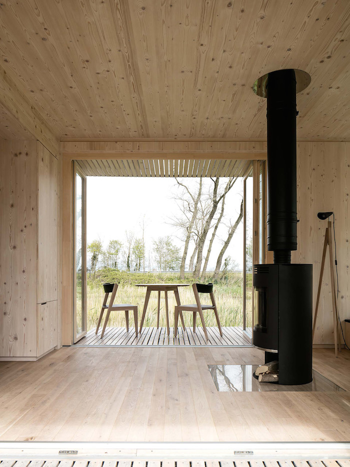 Beautiful Prefab Shelter by ARK_4