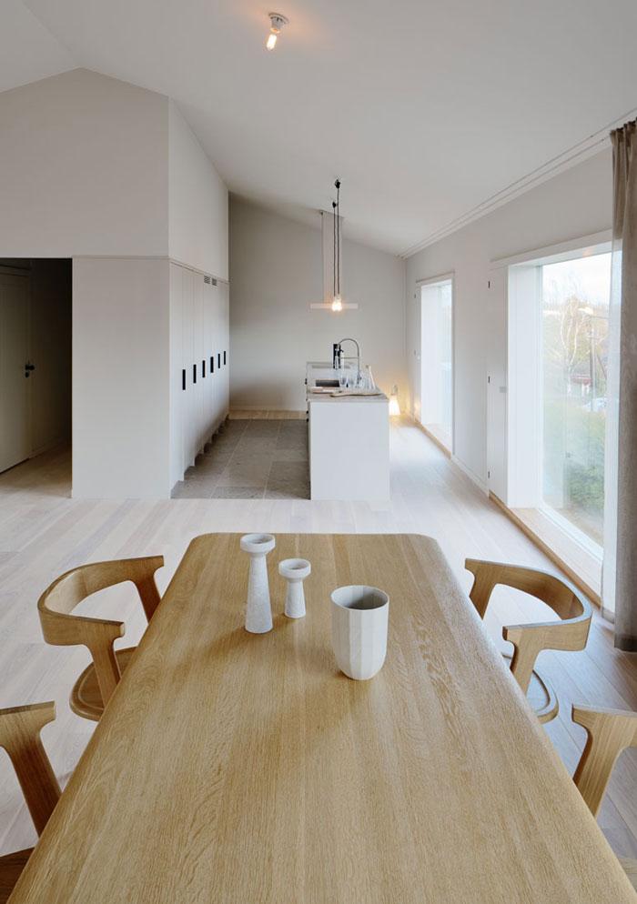 Minimalist-Residence-in-Stockholm-by-Kolman-Boye-03