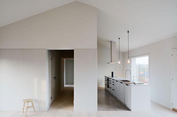 Minimalist-Residence-in-Stockholm-by-Kolman-Boye-04
