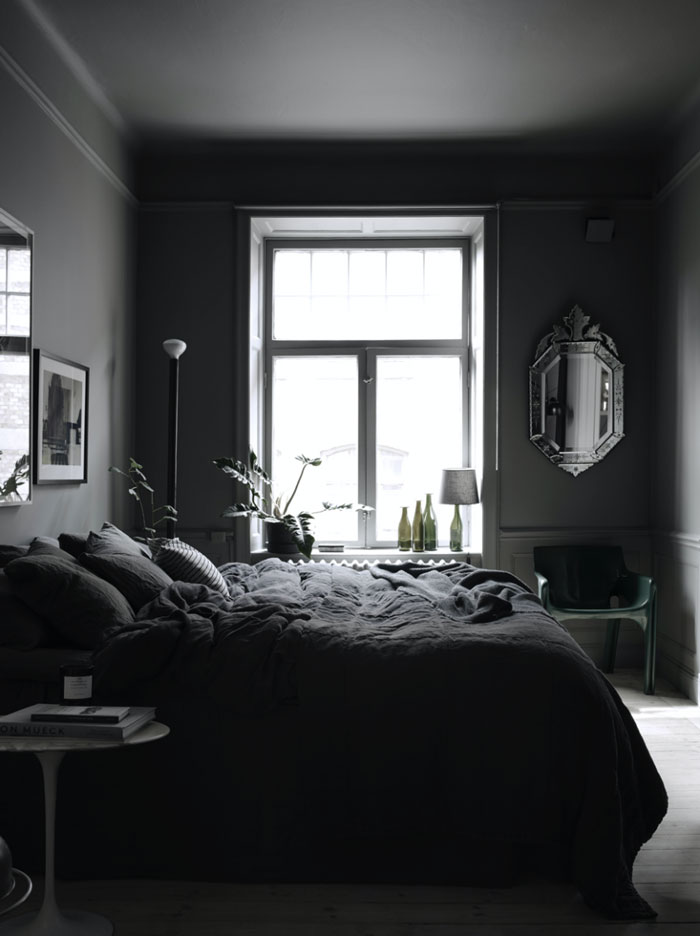 The-Dark-and-Cocoon-like-Home-of-Stylist-Lotta-Agaton-08