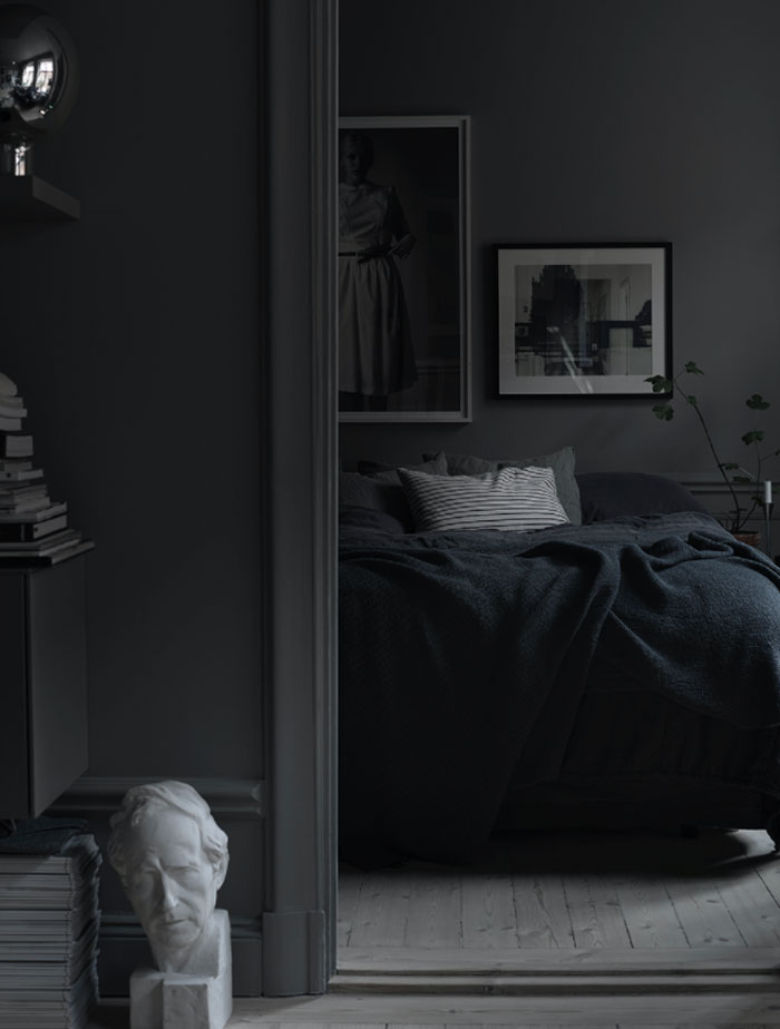 The-Dark-and-Cocoon-like-Home-of-Stylist-Lotta-Agaton-09