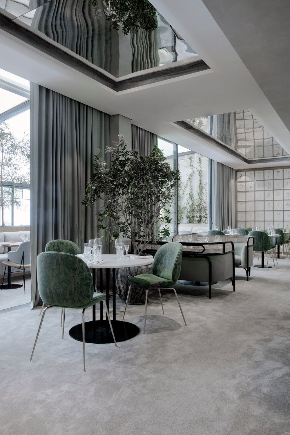 Nature inspired interior for the flora danica restaurant - La maison du jardin restaurant paris ...