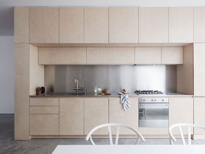 Bright-Spacious-Home-with-a-Beautiful-Plywood-Kitchen-04