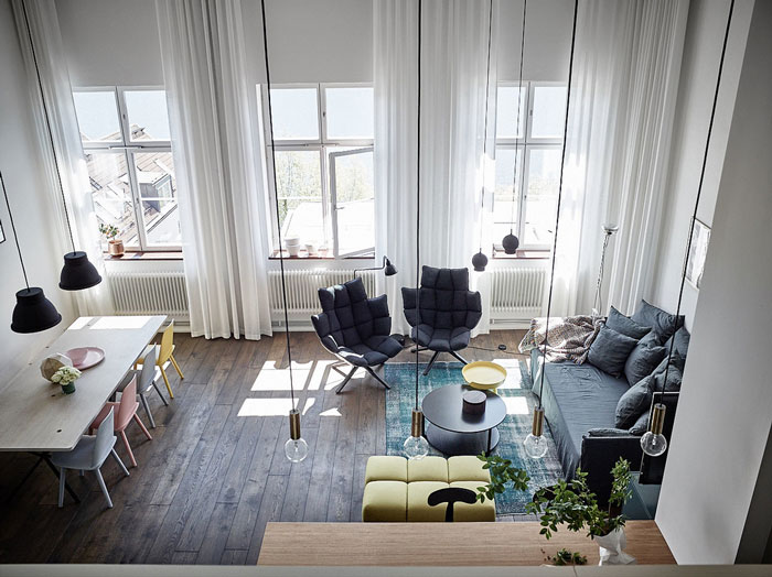 Modern-Loft-with-Pops-of-Colors-02