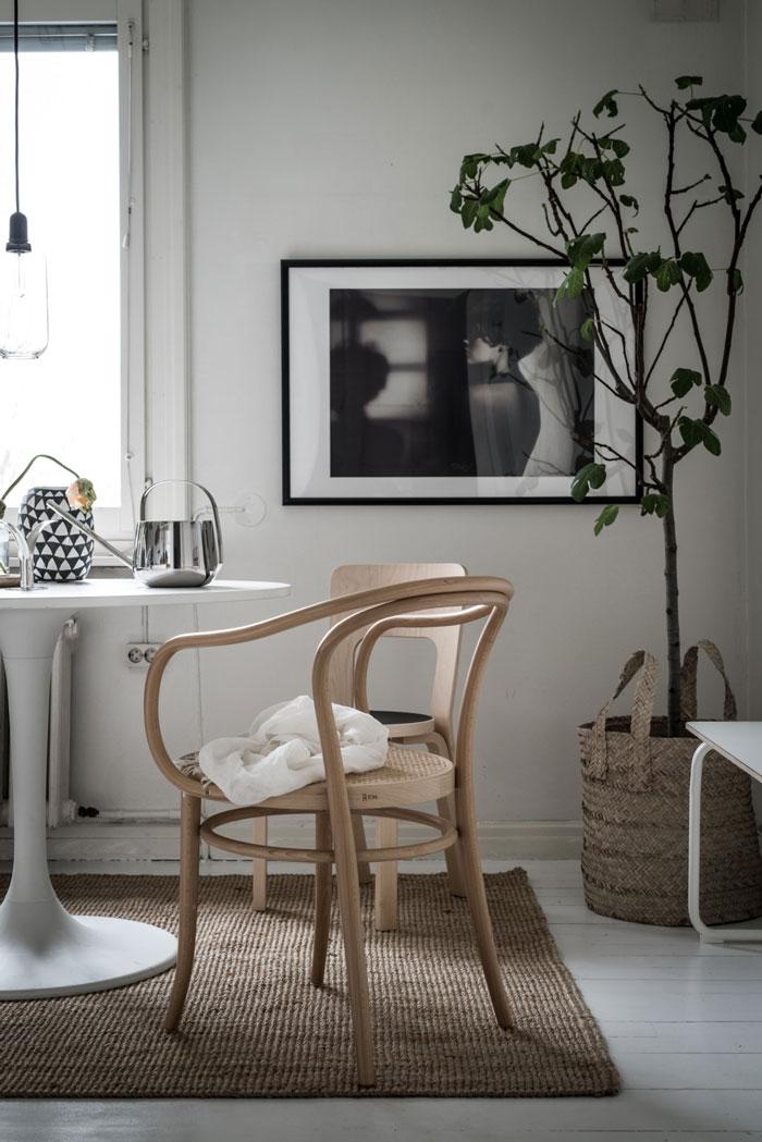 Beautiful-Monochrome-Studio-Apartment-in-Sweden-04