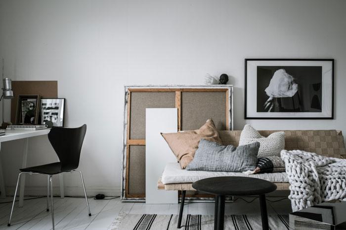 Beautiful-Monochrome-Studio-Apartment-in-Sweden-09