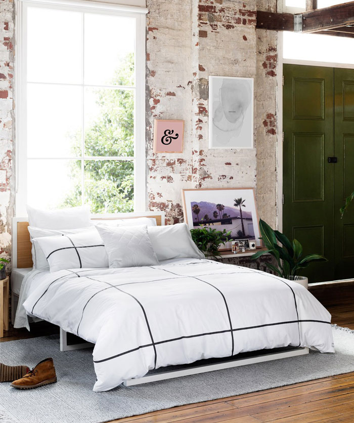 Inspiring-Warehouse-Apartment-Hunting-for-George-03