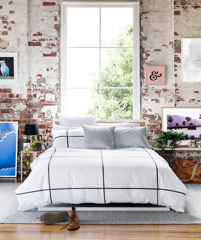 Inspiring-Warehouse-Apartment-Hunting-for-George-04
