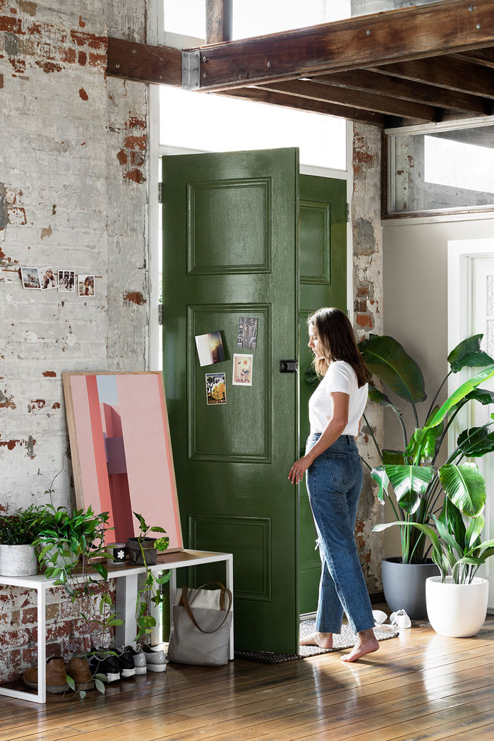 Inspiring-Warehouse-Apartment-Hunting-for-George-05