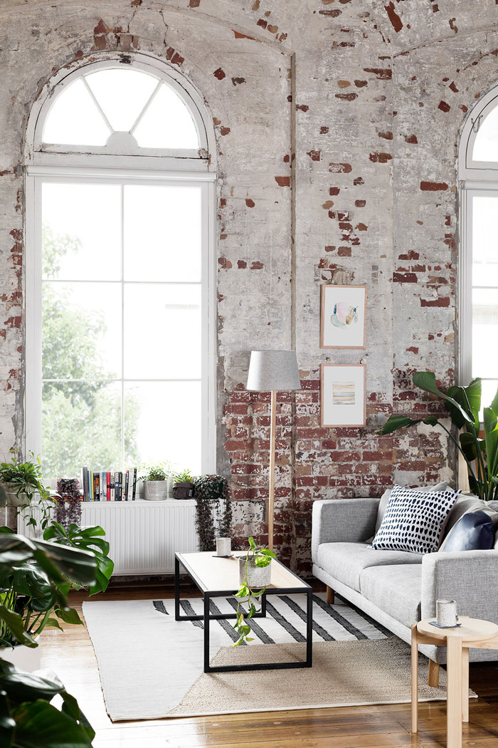 Inspiring-Warehouse-Apartment-Hunting-for-George-08