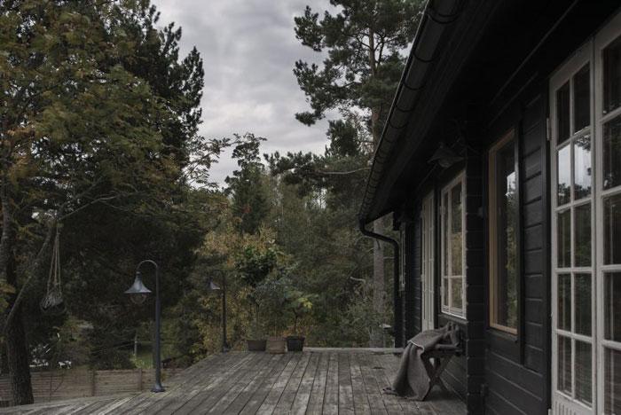 Swedish-Summerhouse-Infused-with-Nostalgia-06