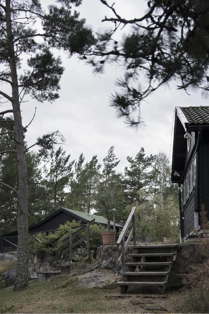 Swedish-Summerhouse-Infused-with-Nostalgia-07