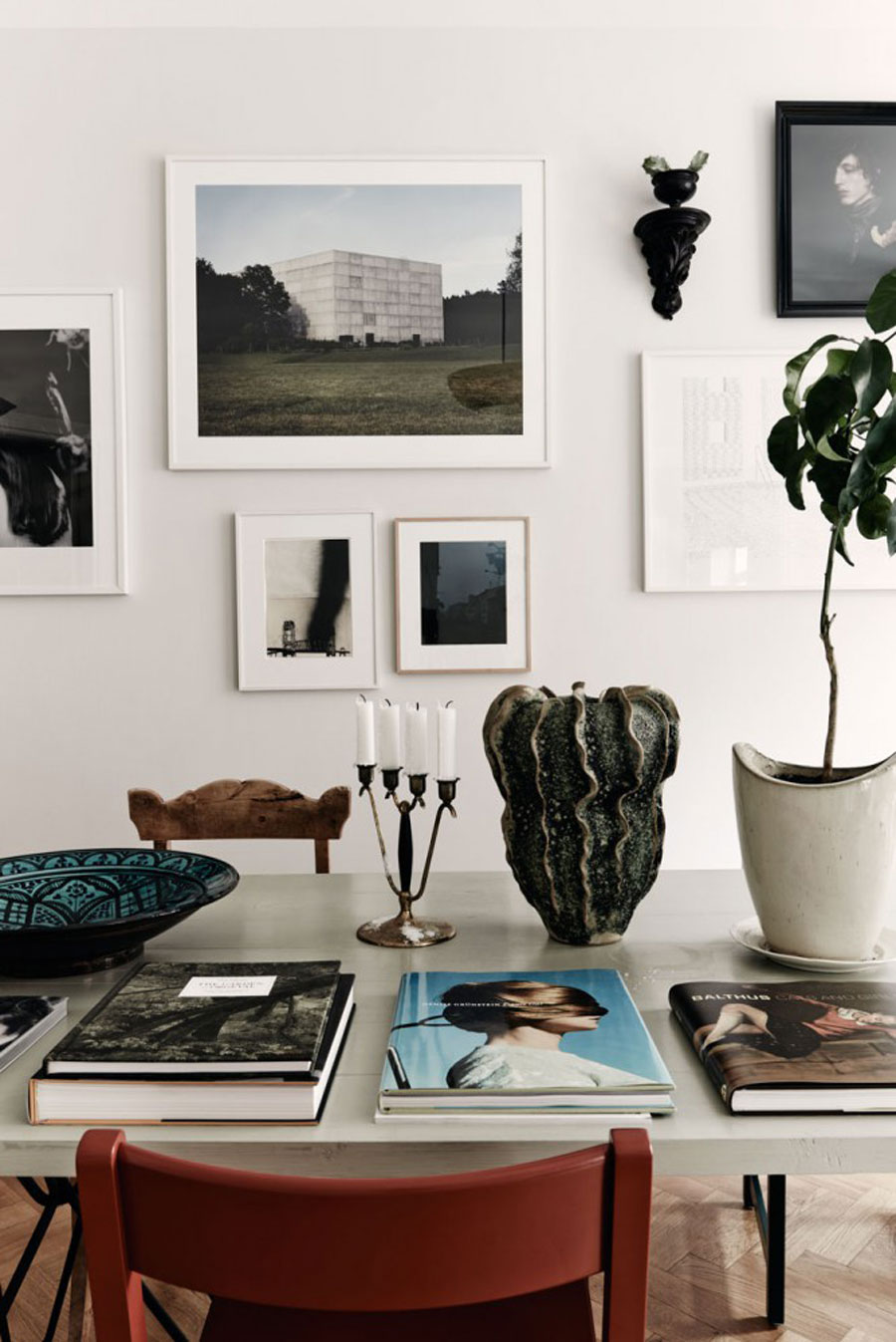Artsy Living Room: This Artsy Pad Is A Plant Lover's Paradise