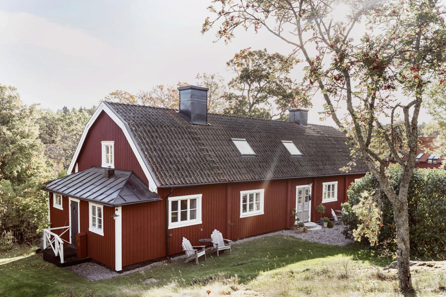 Dreaming of this serene traditional swedish cabin nordicdesign for Traditional scandinavian home design