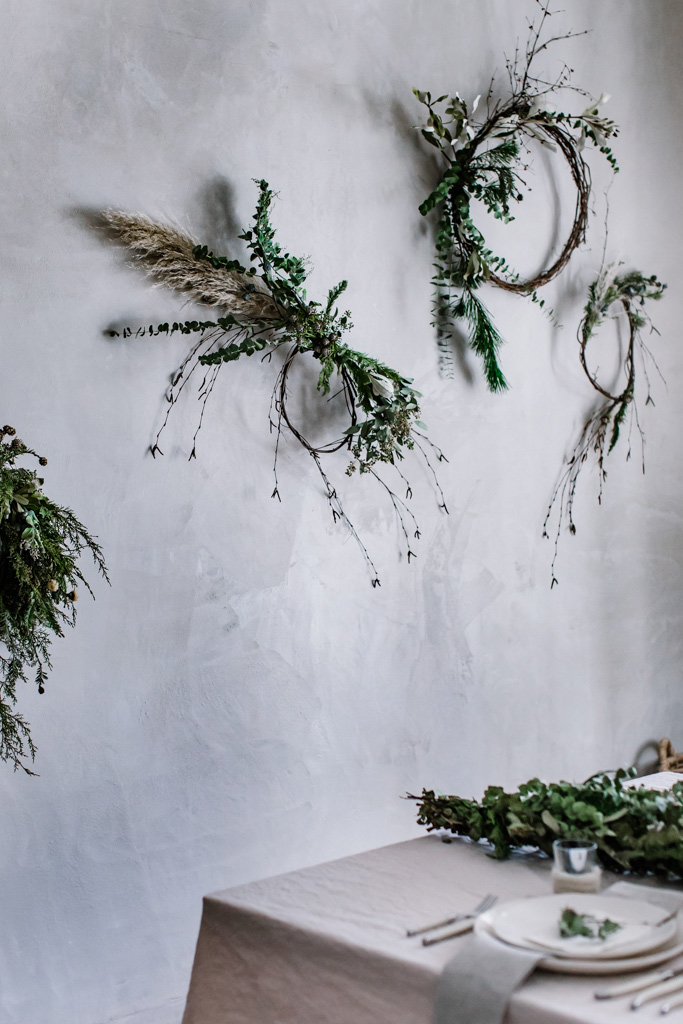 Natural and Simple Christmas Décor with DIY Asymmetrical wreaths