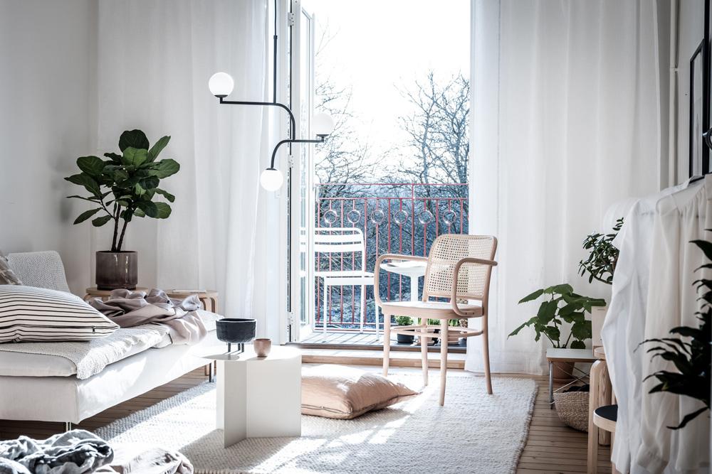 Tour an Inspiring and Bright Studio Apartment
