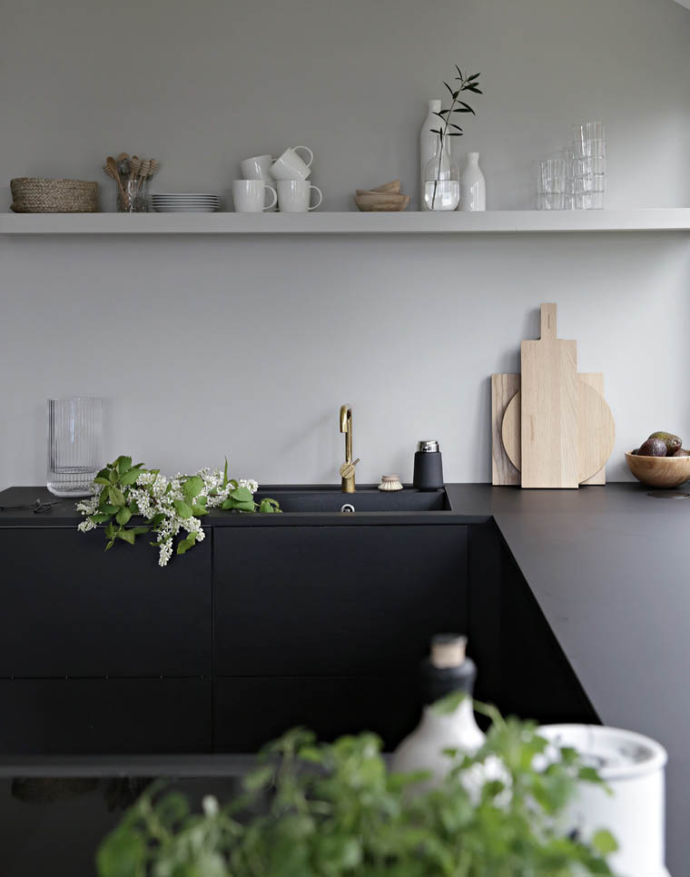 8 Easy and Affordable Ways to Give Your Home a Makeover to Effortlessly Transition into Spring