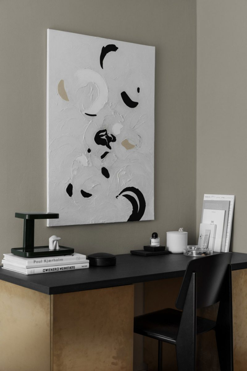 A Stylish and Characterful Home with a Beautiful Graphic Expression