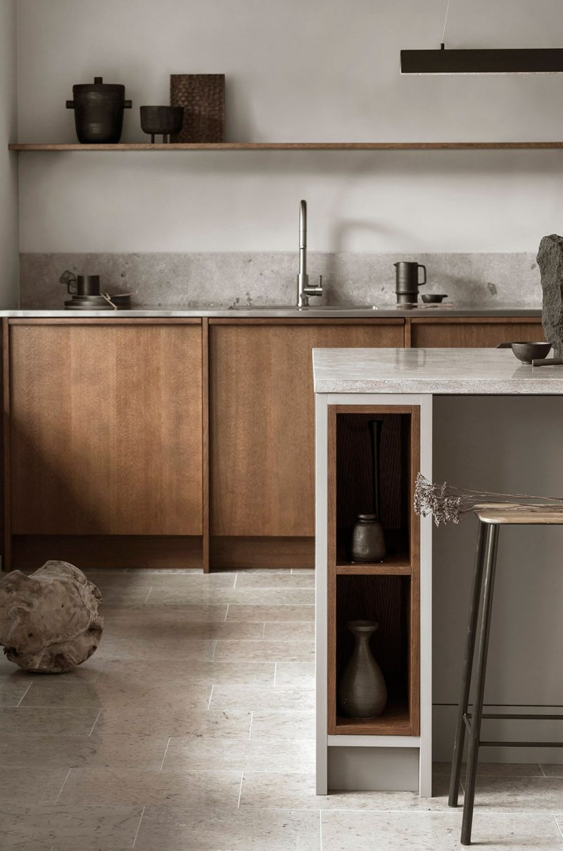 5 Fantastic Kitchens with Oak Cabinets Done Right