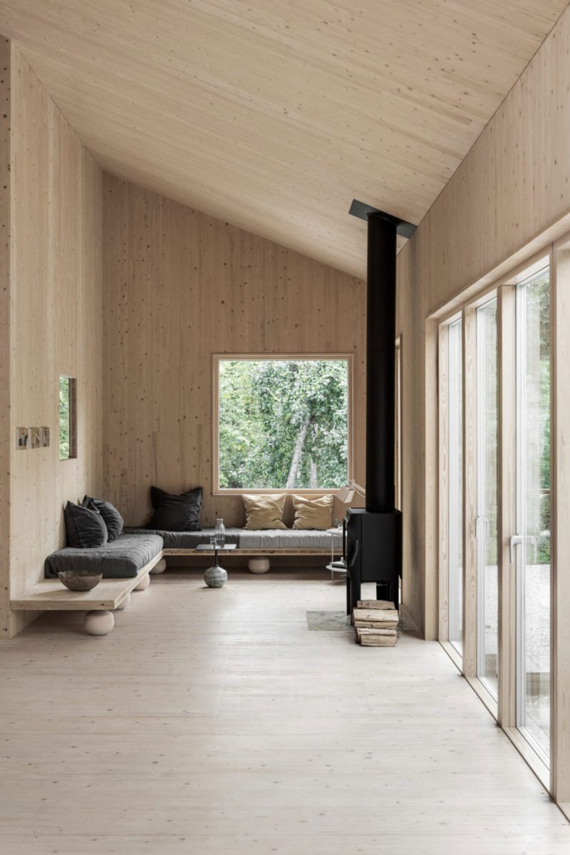 Peek Inside a Minimal Getaway in Sweden