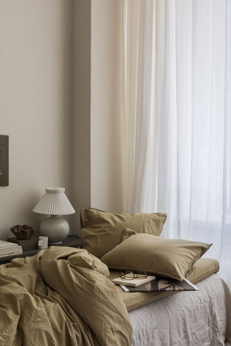 Muted Natural Hues In The Bedroom With Midnatt